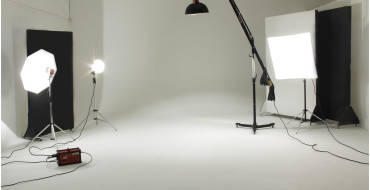 Why professional photographers and studios are needed?
